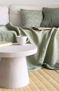 Table Beton, Beton Diy, Diy Table, Diy Crafts, Decoration, Storage, Florence, Zen, Hacks