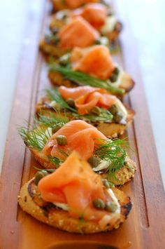 Dill and Capers Appetizer Smoked Salmon Dill and Capers are the perfect appetizer to serve at your celebration!Smoked Salmon Dill and Capers are the perfect appetizer to serve at your celebration! Bite Size Appetizers, Seafood Appetizers, Yummy Appetizers, Appetizers For Party, Appetizer Recipes, Popular Appetizers, Canapes Recipes, Appetizer Ideas, Appetizers For Christmas Party