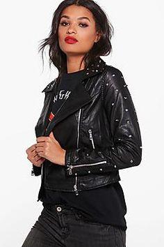 ¡Cómpralo ya!. cazadora biker de polipiel con tachuelas elizabeth.  , chaquetadecuero, polipiel, biker, ante, antelina, chupa, decuero, leather, suede, suedette, fauxleather, chaquetadecuero, lederjacke, chaquetadecuero, vesteencuir, giaccaincuio, piel. Chaqueta de cuero  de mujer color negro de Boohoo.