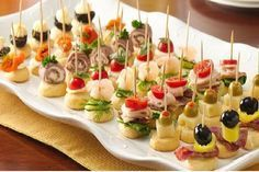 Skewer Appetizers Wedding Appetizers Appetisers Appetizer Recipes Dessert Recipes First Finger Foods Breakfast Crepes Fingerfood Food Design Mini Appetizers, Finger Food Appetizers, Easy Appetizer Recipes, Christmas Appetizers, Toothpick Appetizers, Italian Appetizers, Vegetable Appetizers, Appetizer Party, Party Snacks