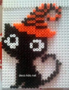 Black Cat - Halloween hama perler beads by Deco. Melt Beads Patterns, Pearler Bead Patterns, Beading Patterns, Hama Beads Design, Diy Perler Beads, Perler Bead Art, Chat Halloween, Halloween Crafts, Hama Beads Halloween
