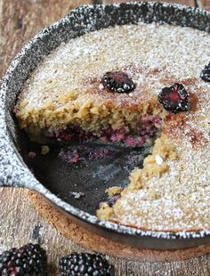 This is one super moist, gluten free, blackberry cake that comes together quickly and easily in ONE skillet!