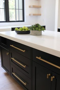 Beautiful and inspiring kitchen ideas - Black shaker style inset cabiets with wh. Beautiful and inspiring kitchen ideas - Black shaker style inset cabiets with white quartz gold hardware White Oak Kitchen, Black Kitchen Cabinets, Kitchen Cabinetry, Black Kitchens, Kitchen Countertops, Kitchen And Bath, New Kitchen, Cool Kitchens, Kitchen With Gold Hardware