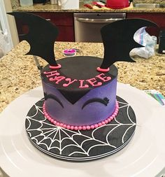 Tortas de Vampirina para Cumpleaños: Ideas de Pasteles de Vampirina