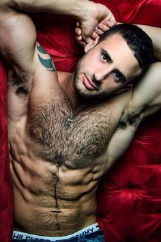 Ok love hairy men!!!