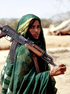A female fighter from the Eritrean People's Liberation Front photographed on June 20th, 1978. She holds a Russian-made Kalashnikov AK-47. (Photo by Alex Bowie/Getty Images)