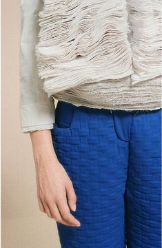 3D textiles with sculptural fabric layers & basket weave embossed fabric - fabric manipulation for fashion // Steven Tai