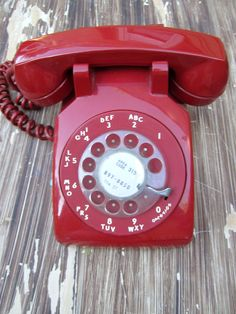 Sophisticated Vintage Phone - Red :)