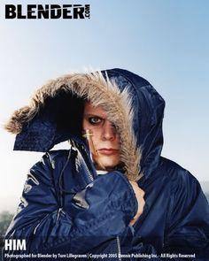 He's adorable in that coat:)