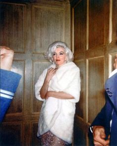 Marilyn Monroe in an elevator on her way to JFK's birthday party, May 19, 1962.