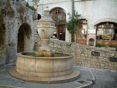 Tourisme autour de Coaraze - Guide, Vacances & Week-end Painting Shutters, Old Stone Houses, Outdoor Restaurant, Beaux Villages, Back Road, Medieval Town, Famous Places, Stunning View, Provence