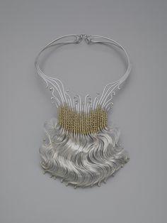 MARY LEE HU-USA  Neckpiece #26, Sterling silver and 14k gold. Courtesy Yale University Art Gallery.