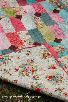 Auntie's Diamonds by Jamie from SunFlower seeds #modabakeshop #modafabrics #lovepinwin