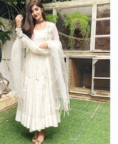 54 Trendy Fashion Trends 2019 Indian - Fashion Show Indian Gowns Dresses, Indian Fashion Dresses, Dress Indian Style, Pakistani Dress Design, Pakistani Outfits, Indian Outfits, Designer Anarkali Dresses, Designer Dresses, Stylish Dresses
