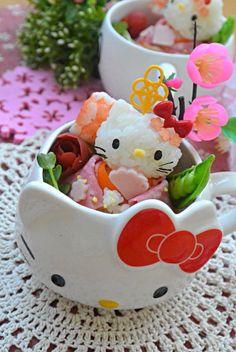 Hello kitty hinamatsuri doll cup sushi