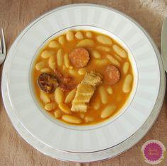 Asturiana, como yo... Me hace especial ilusión compartir con vosotr@s esta receta, porque se trata del plato más conocido de mi tierra, es ...