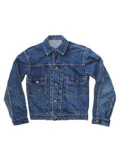 "*1950's Indigo Levis Denim 2nd Edition Jacket *Good vintage condition *Size 36 *Collar to bottom hem 25"" long, armpit to armpit 18"" wide, sleeves 22"" long"