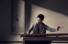 Wu Na, arguably the most outstanding and adventurous young performer of the ancient Chinese 7-string zither, the guqin, will demonstrate her versatility with a medley of classic repertoire and modern improvisations.