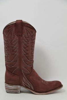 Sendra boots koop je online bij http://www.aadvandenberg.nl/dames/sendraboots