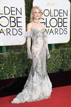 Nicole Kidman wearing Alexander McQueen at Golden Globes 2017