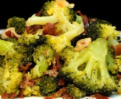 Brócoli con refrito de ajos y jamón