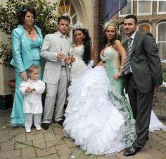 Līgavaiņa māte izkatās ļoti... Autors: sincahi bezgaumīgākās kāzas