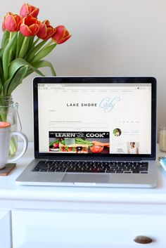 Lake Shore Lady: What's on my desk? |  Home Office