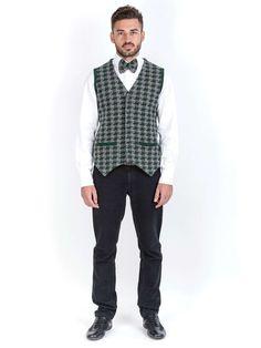 Panciotto punto stoffa. Doppia tessitura: il davanti tessuto a quadri e dietro a coste. 100% cashmere.