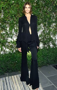 And Cindy Crawford and Kaia Gerber were doppelgangers as they attended the first A Sense Of Home annual gala in Beverly Hills on Friday. Cindy Crawford, Celebrity Outfits, Celebrity Style, Celebrity Gowns, Celebrity Workout, Christmas Party Outfits, Christmas Movies, Kaia Gerber, Holiday Fashion