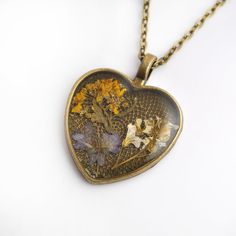 Heart-shaped necklace colorful real flowers in resin by PikLus