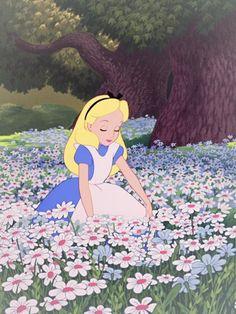 Alice on Wonderland Disney Pixar, Disney And Dreamworks, Disney Art, Alice Disney, Cartoon Wallpaper, Wallpaper Iphone Disney, Alice In Wonderland 1951, Alice And Wonderland Quotes, Cute Disney