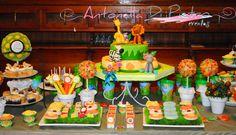 Table dessert, jungle party, candy bar, golosinas, pasteleria, cupcakes, sweet. Fiesta de la selva. Cumpleaños.http://antonelladipietro.com.ar/blog/2013/01/fiesta-con-animales-de-la-selva/