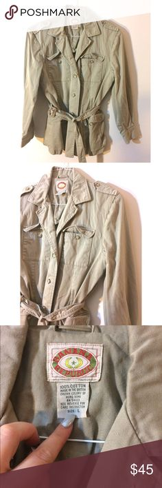 Vintage 1980s Banana Republic Khaki Trench Rad find vintage Banana Republic! In a khaki color mid length trench style coat from the 1983 collection! Vintage Jackets & Coats Trench Coats