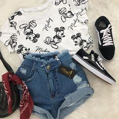 Summer outfits and cute outfits. Cute Disney Outfits, Disneyland Outfits, Cute Casual Outfits, Cute Summer Outfits, Stylish Outfits, Disney Themed Outfits, Disney Shorts, Hipster Outfits, Summer Shoes