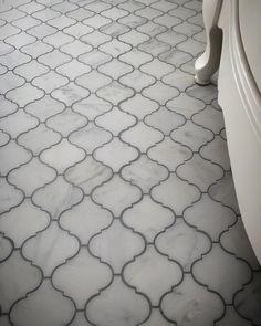 We tiled this floor with the Bianco Carrara Arabesque Lantern marble tiles to achieve that luxury lo Arabesque Tile Backsplash, Carrara Marble Bathroom, Marble Mosaic, Marble Floor, Shower Floor Tile, Bathroom Floor Tiles, Moroccan Tile Bathroom, Kitchen Tile, Kitchen Floor