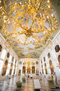 Here are ten of our favourite things to see and do in #Innsbruck