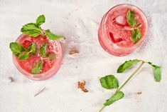 Need a delicious bit of fruit in your life? This Whirled Watermelon Mojito will trick you that you are doing something healthy! Recipe by Pop Shop America. Watermelon Mojito, Strawberry Mojito, Mojito Cocktail, Summer Cocktails, Summer Sangria, Popular Cocktails, Pink Cocktails, Champagne Cocktail, Sparkling Wine