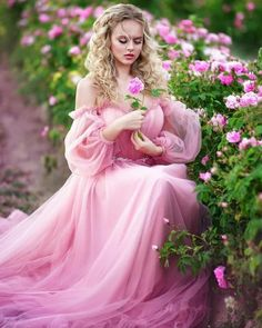 Elegant and Timeless — dream of your dreams, beauty wakes Foto Fantasy, Fantasy Dress, Images Esthétiques, Vestidos Color Rosa, Mode Glamour, Sparkling Stars, Cute Girl Wallpaper, Girls With Flowers, Beautiful Girl Image
