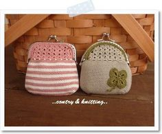 crochet purse **no instructions, but I love the look of them. A little bit of beading and I've a new change purse for Micah. Crochet Wallet, Crochet Coin Purse, Crochet Change Purse, Crochet Stitches, Crochet Patterns, Knooking, Frame Purse, Crochet Handbags, Tapestry Crochet