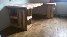 DIY Pallet Computer Desk and Chair | Pallet Furniture Plans