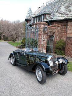 *1953 Morgan plus 4 with hand painted plaid tartan bonnet.