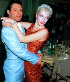 Net Image: Annie Lennox and Freddie Mercury: Eurythmics and Queen Photo ID: . Picture of Annie Lennox - Latest Annie Lennox Photo. Annie Lennox, Queen Freddie Mercury, Pop Rock, Rock And Roll, Freedie Mercury, Jimi Hendricks, Queen Photos, We Will Rock You, John Deacon