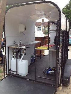 I love the idea to convert a horse trailer into a kurtos selling trailer.. Such a simple but usable idea..