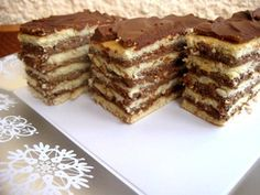 Foi fragede cu crema de cacao si rom Romanian Desserts, Romanian Food, Xmas Cookies, Food Cakes, Sweet Cakes, Cheesecakes, Cooking Tips, Cake Recipes, Food And Drink
