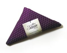 Reusable Shopping Bag folded into a triangle di AtelierSettembre, €14,00