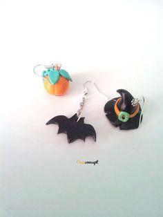 Polymer clay Halloween earrings - Boucles d'oreilles en porcelaine froide spécil Halloween vendues par 3 http://www.alittlemarket.com/boucles-d-oreille/fr_boucles_d_oreilles_halloween_3_pieces_en_porcelaine_froide_fimo_a_froid_chapeau_de_sorciere_citrouille_et_chauve_souris_-16027365.html VENDUES