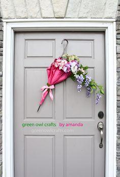 Spring Wreath Alternative : DIY Upcycled Umbrella Wreath
