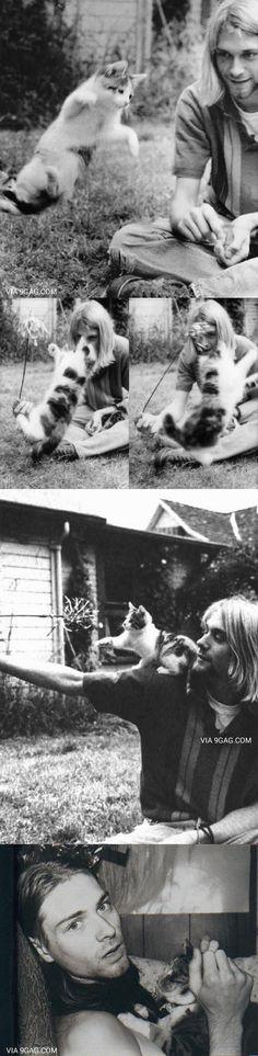 Just Kurt Cobain With His Cat~~ Makes one go awwwwww, cute. Then awwwww, when on… Nur Kurt Cobain mit seiner Katze. Rock N, Rock And Roll, Arte Do Hip Hop, Grunge, Donald Cobain, Nirvana Kurt Cobain, Smells Like Teen Spirit, Dave Grohl, Foto Art