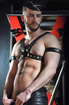 MEN-IN-LEATHER