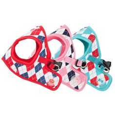 The Puppia Argyle Vest Harness is a jacket style dog harness featuring a classic design that never goes out of style. The argyle patterned harness comes in red, pink or aqua and is made of 100% natural cotton that is soft, lightweight and breathable for t